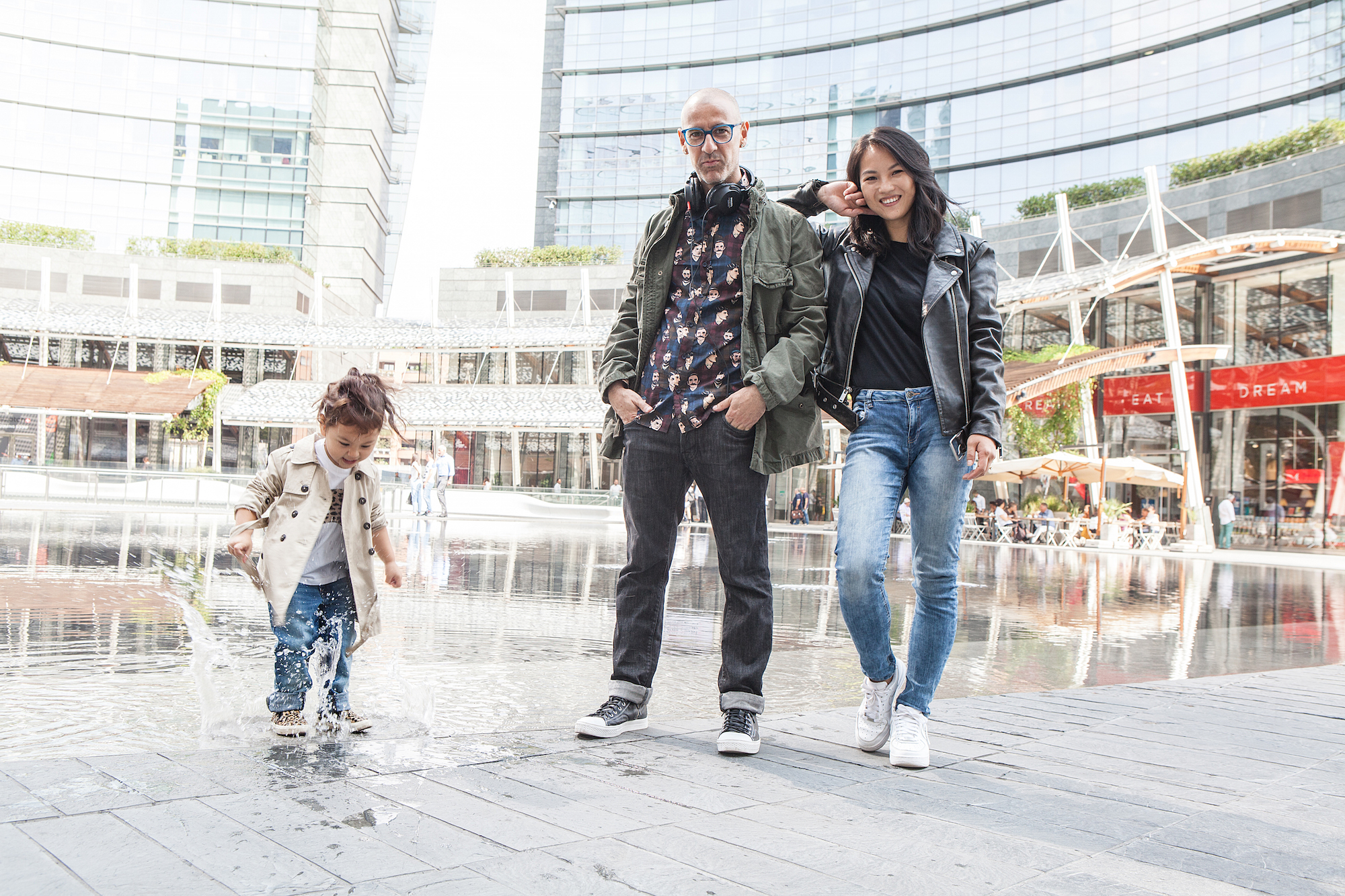 Digital Modern Family, GAP