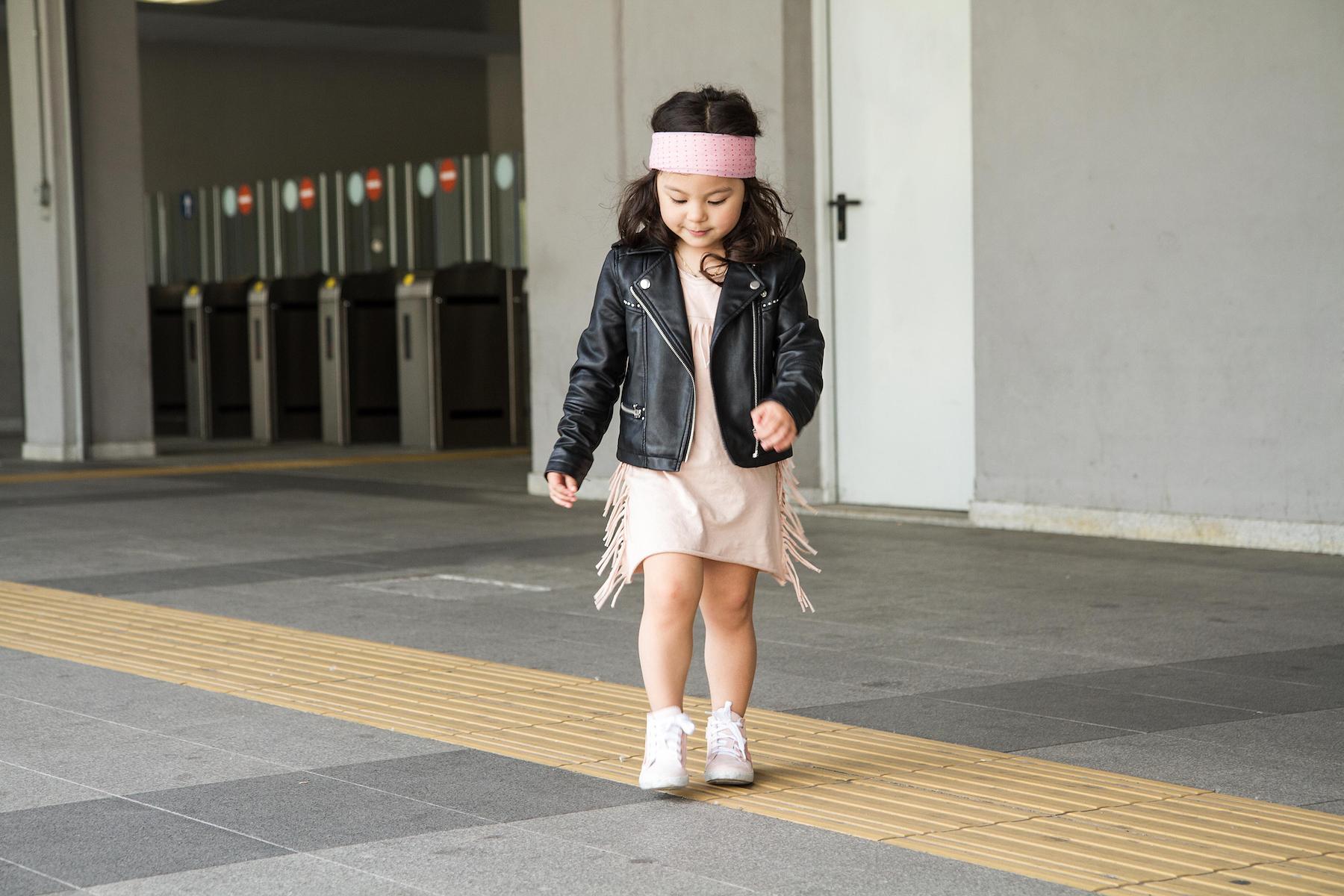 Digital Modern Family, Haiyan Fu, Chloe Parodi