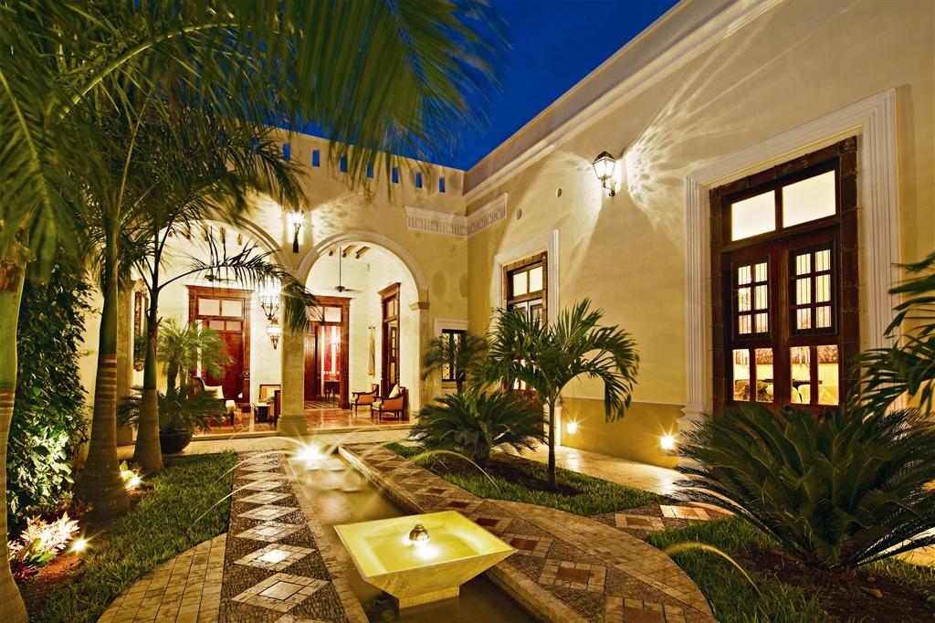 casa-lecanda-patio-jpg-1024x0