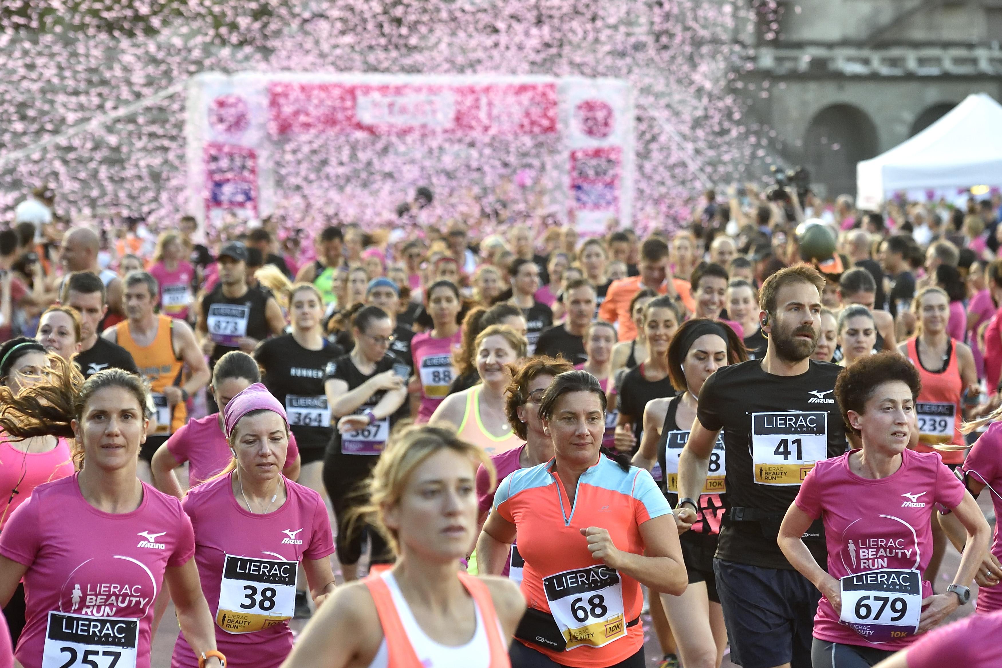 Lierac Beauty Run, la corsa dedicata alle donne. Milano, 25 Giugno 2016. ANSA/FLAVIO LO SCALZO